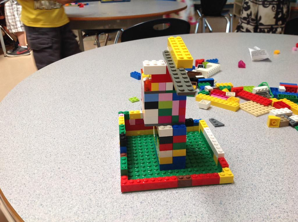 #legochallenge2 Our boat did not float. by Sujot and Simar and Ilene. http://t.co/Nhnw285vNs
