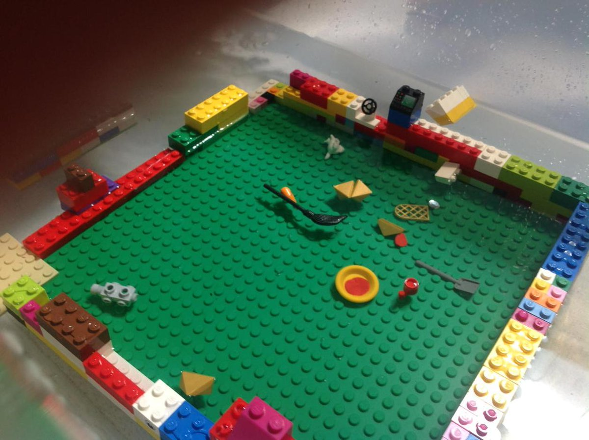 Look at our big boat that floats. #legochallenge2 Allison and Avneet http://t.co/KKIwawSVPC