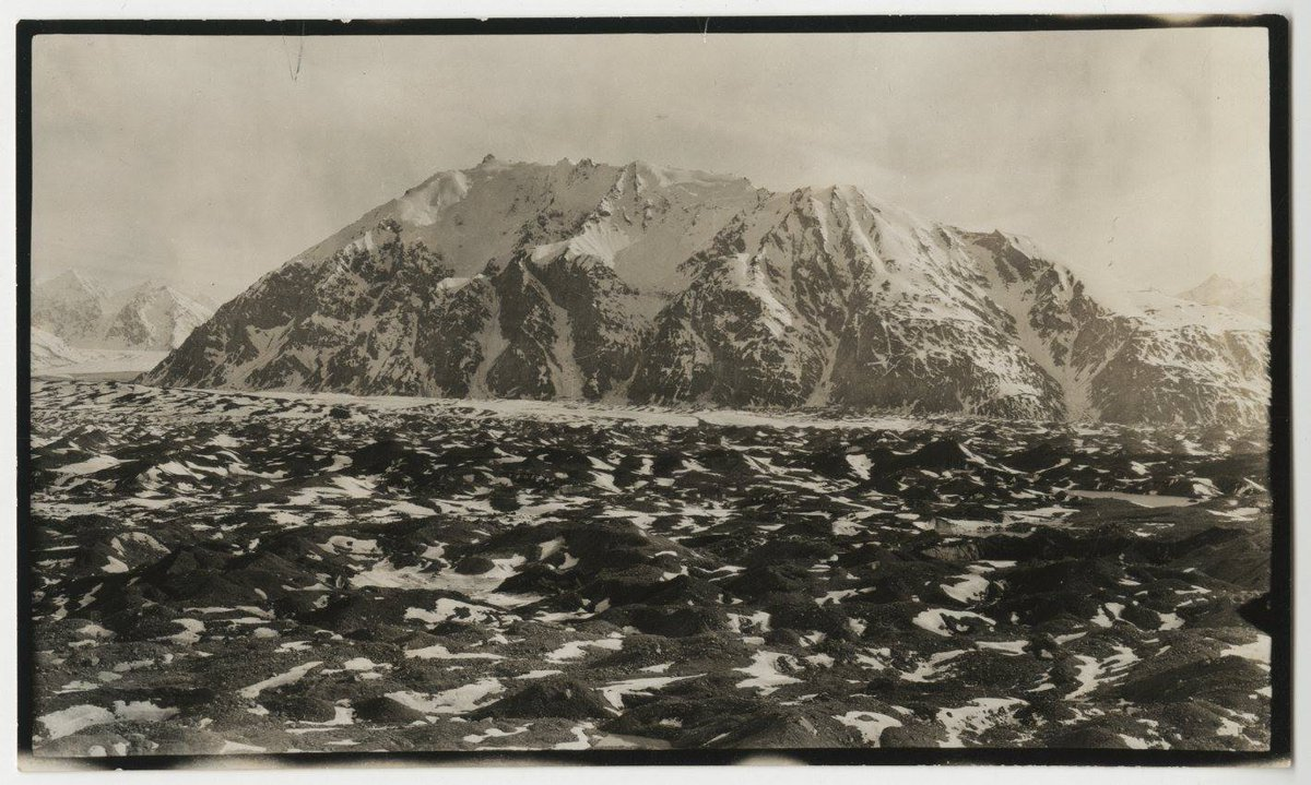 On this day in 1925, a party of 6 reached the summit of Mount Logan for the first time...http://t.co/PxuCOXQuJ9 http://t.co/XZ4nyknfMx