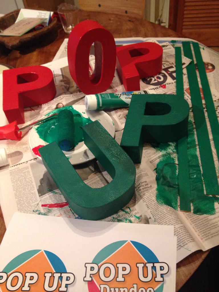 @PopUpDundee : making props for tomorrow #popdnd http://t.co/96JCJlv2Xp