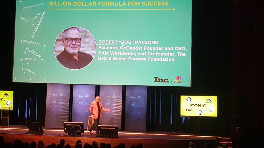 There is always a reason to smile so find it-@BobParsons favorite biz rule #IconicTour15 http://t.co/1oiqmKbs7Y