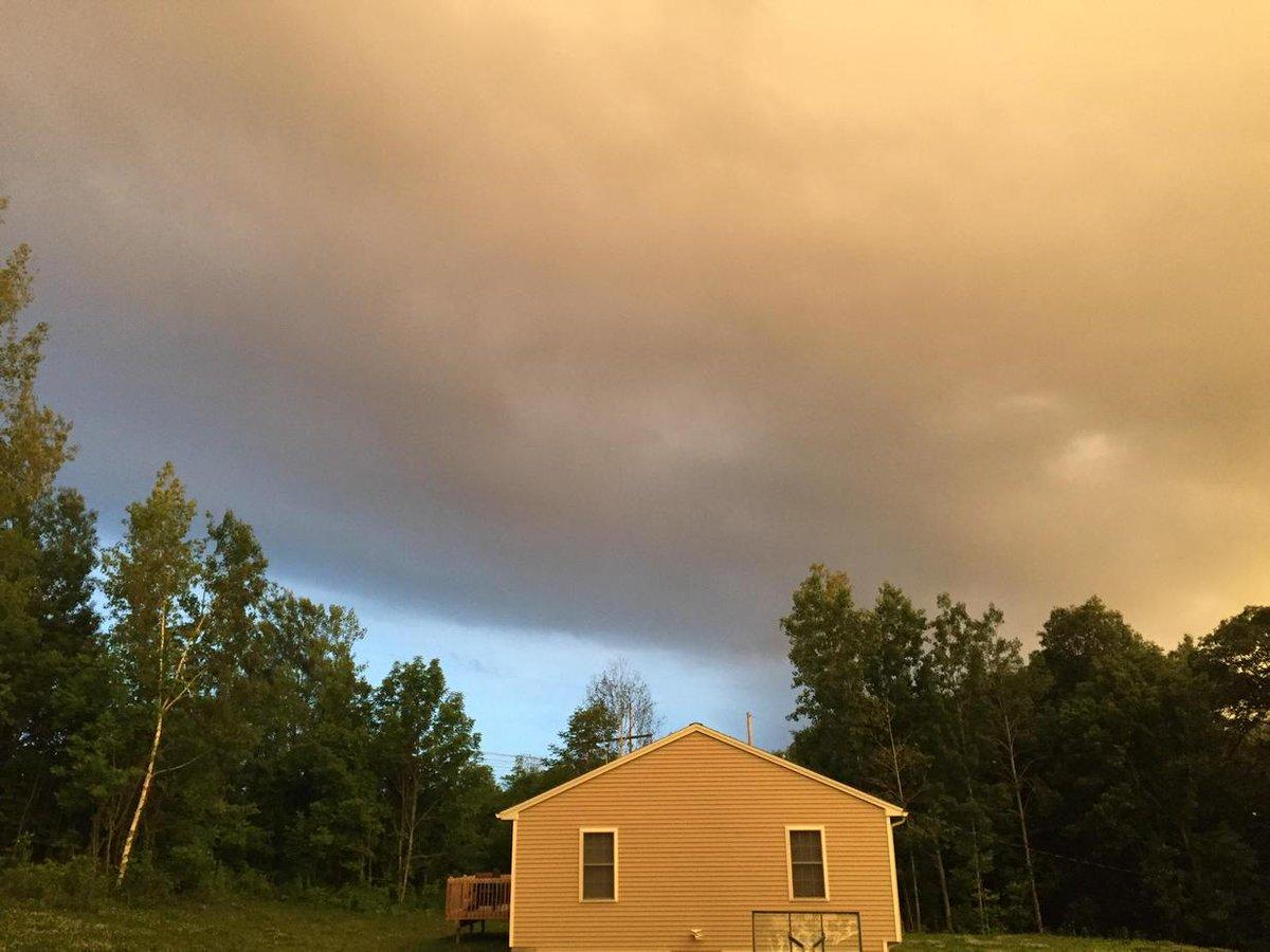 @FOX25Shiri @klemanowicz storm coming in, Charlton ma #fox25news