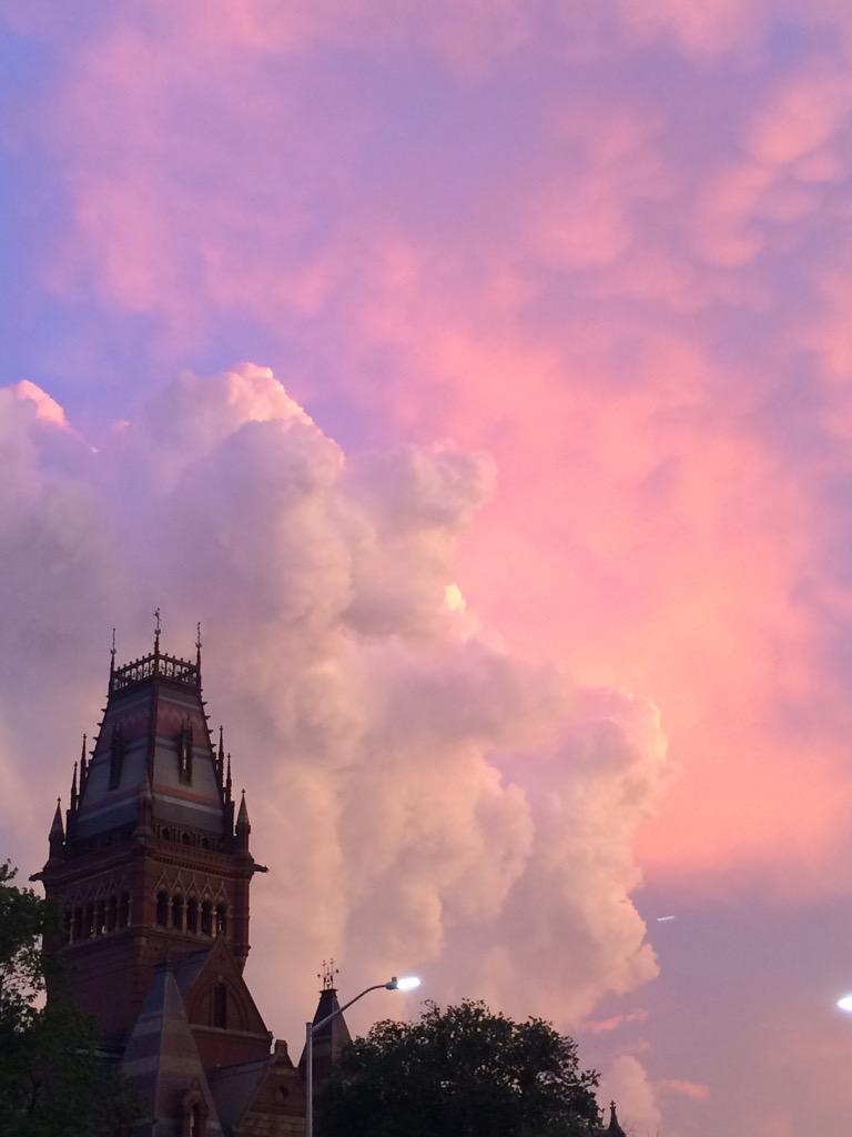 In case you missed the magnificent sunset in Cambridge tonight #nofilter #oneharvard http://t.co/ymjZ5xEV9p