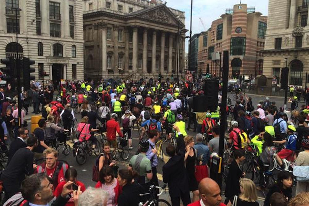 Protest held at Bank junction after London's eighth cycling death in 2015 | http://t.co/9WGIby4vrk http://t.co/gIddyYBnwO