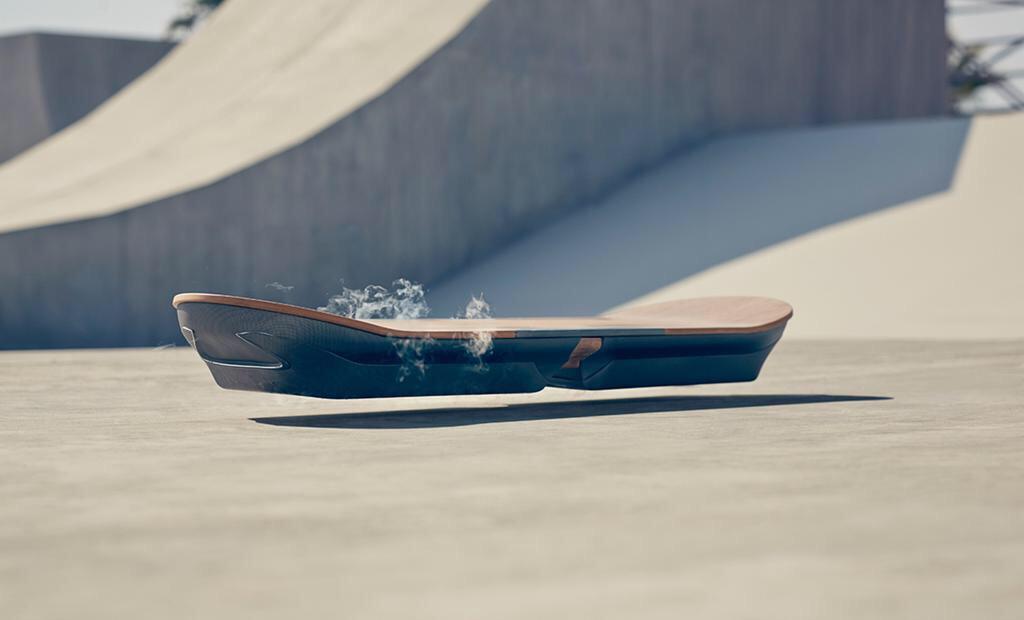 Conoce cómo funciona la primera patineta voladora