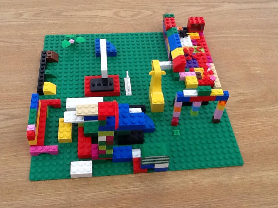 #legochallenge3 we made a playgrawd owt of lego.by Ilene and By Simar and Danreet. http://t.co/m9e0s8DK1F
