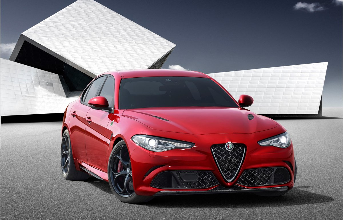 The #AlfaRomeo #Giulia makes its world debut! The Giulia features distinctive #Italian #design and #technology. http://t.co/1GKhhau7L0