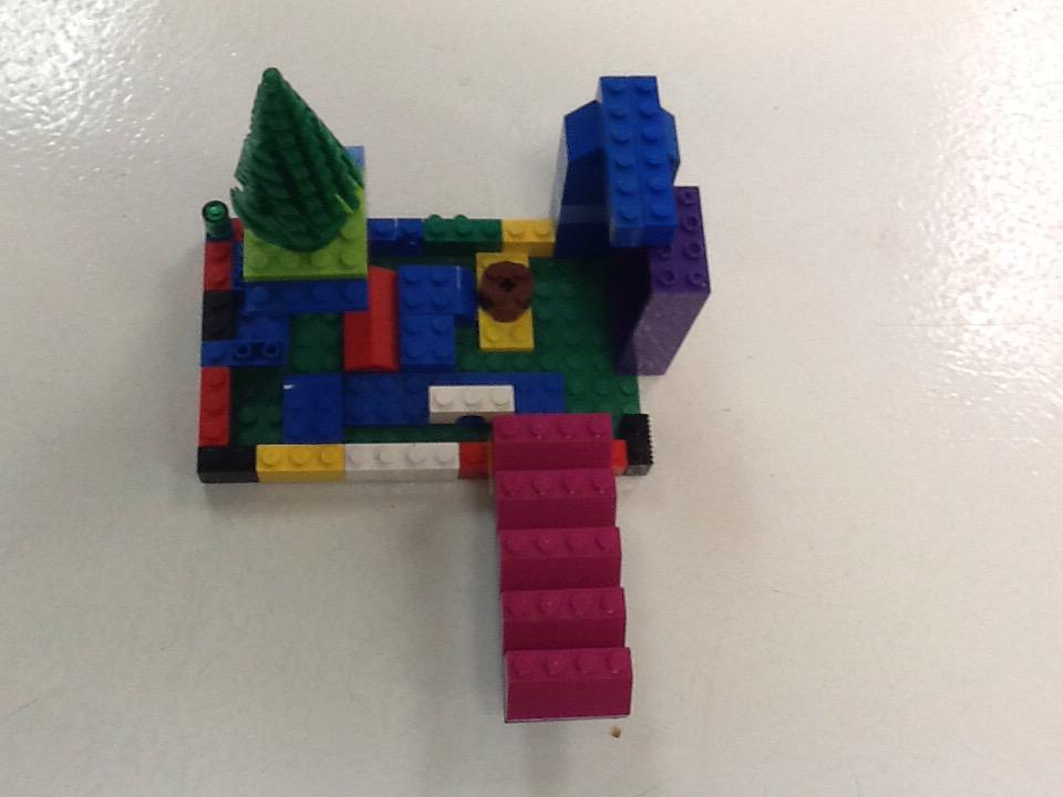 This is my park. #legochallenge3 by Gracie http://t.co/8Mr51mV5k6