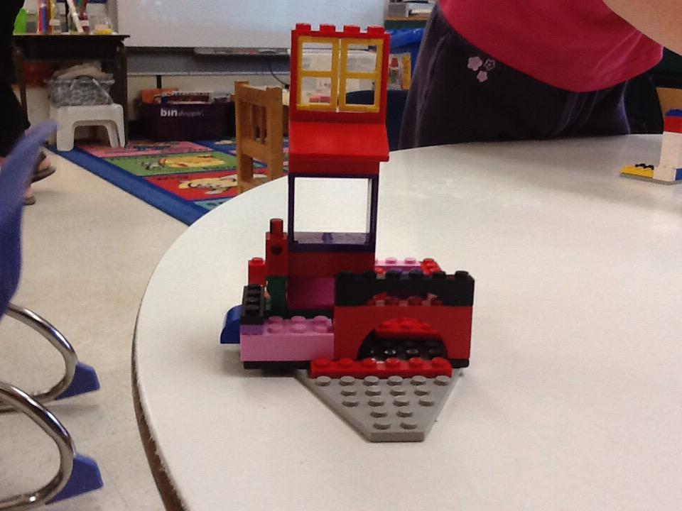 This is my play ground that his so awesome by Allie. #legochallenge3 http://t.co/GpKwGVXuLS