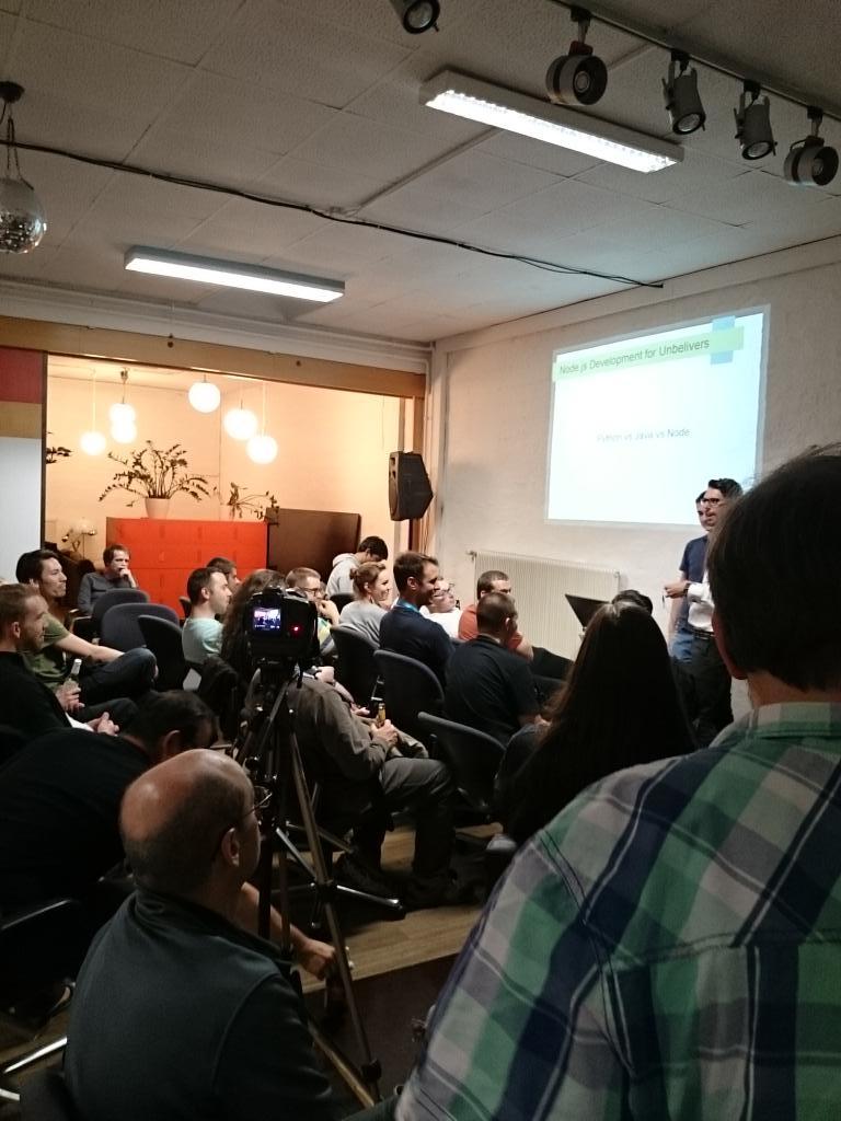 Hashtag #viennajs sur Twitter
