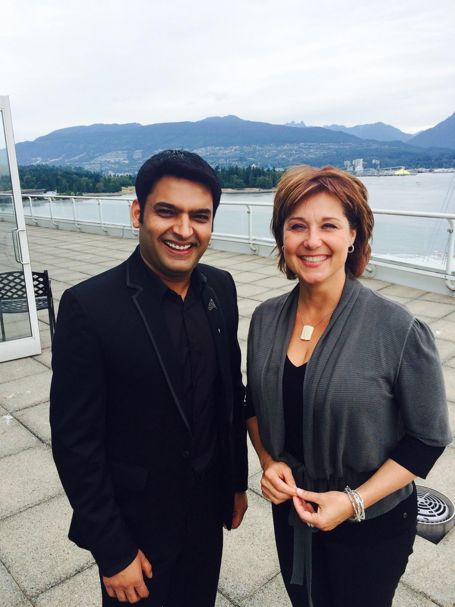 Great to welcome Bollywood star Kapil Sharma @KapilSharmaK9 to Vancouver #ComedyNightsWithKapil http://t.co/5eafSMFKDT