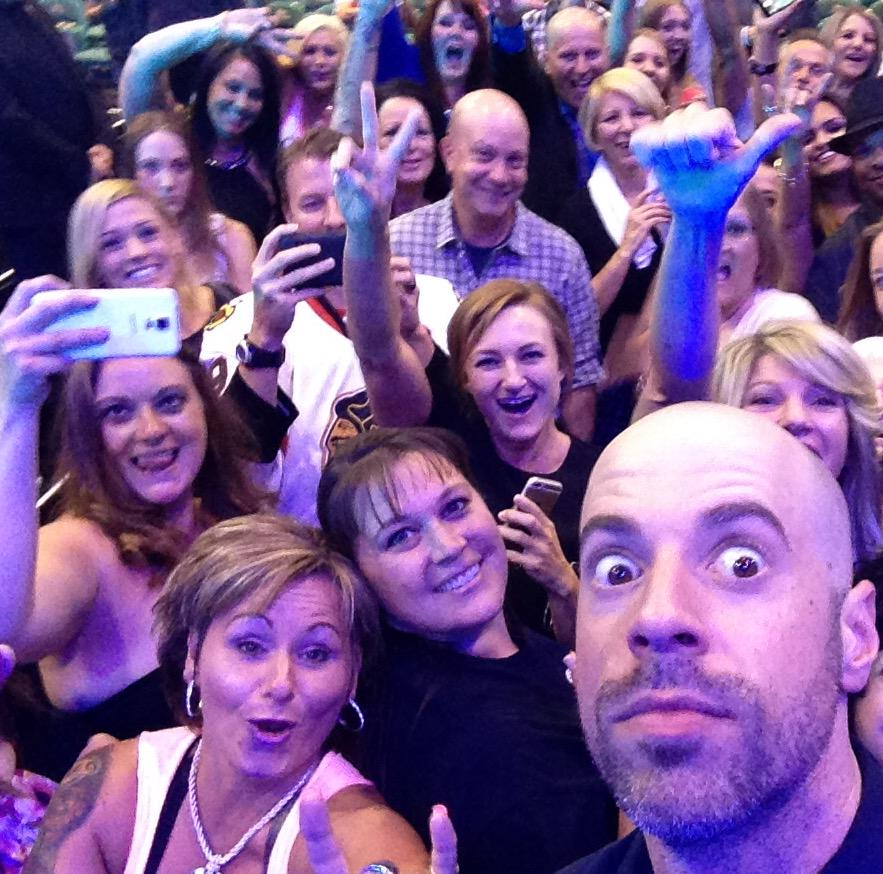 @CHRIS_Daughtry Great pic altho Im hidden behind Chris' head