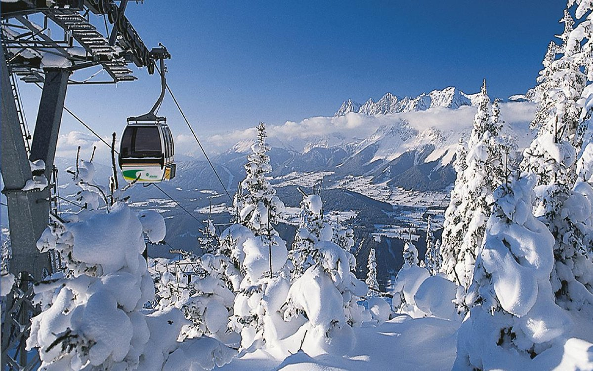Oh to be visiting the #Alps & #Christmas markets this #winter... http://t.co/FaOEGulH8M