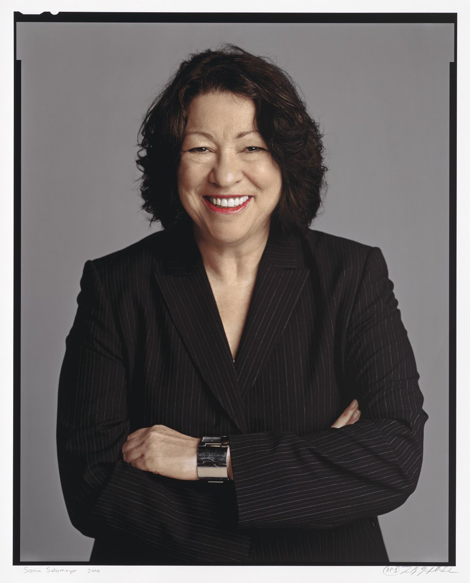 Happy birthday to #SCOTUS justice Sonia Sotomayor! Read more on the NPG blog: http://t.co/IapU9k6CHx http://t.co/gpURlCCvZo