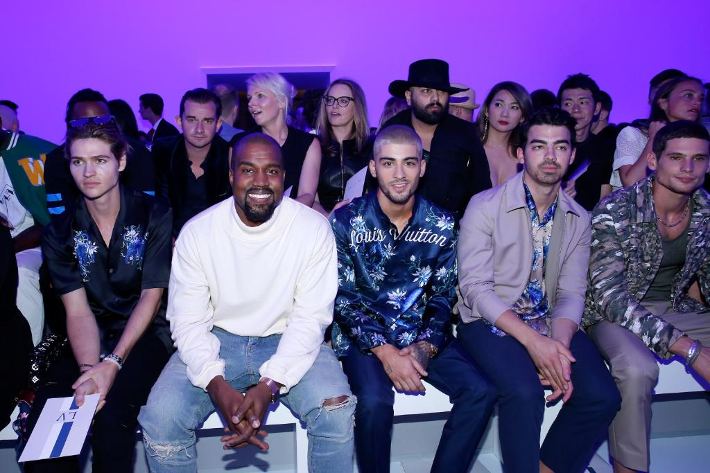 .@WillPeltz, @KanyeWest, @ZaynMalik, @JoeJonas and Jérémie Laheurte front row at #LouisVuitton from @MrKimJones