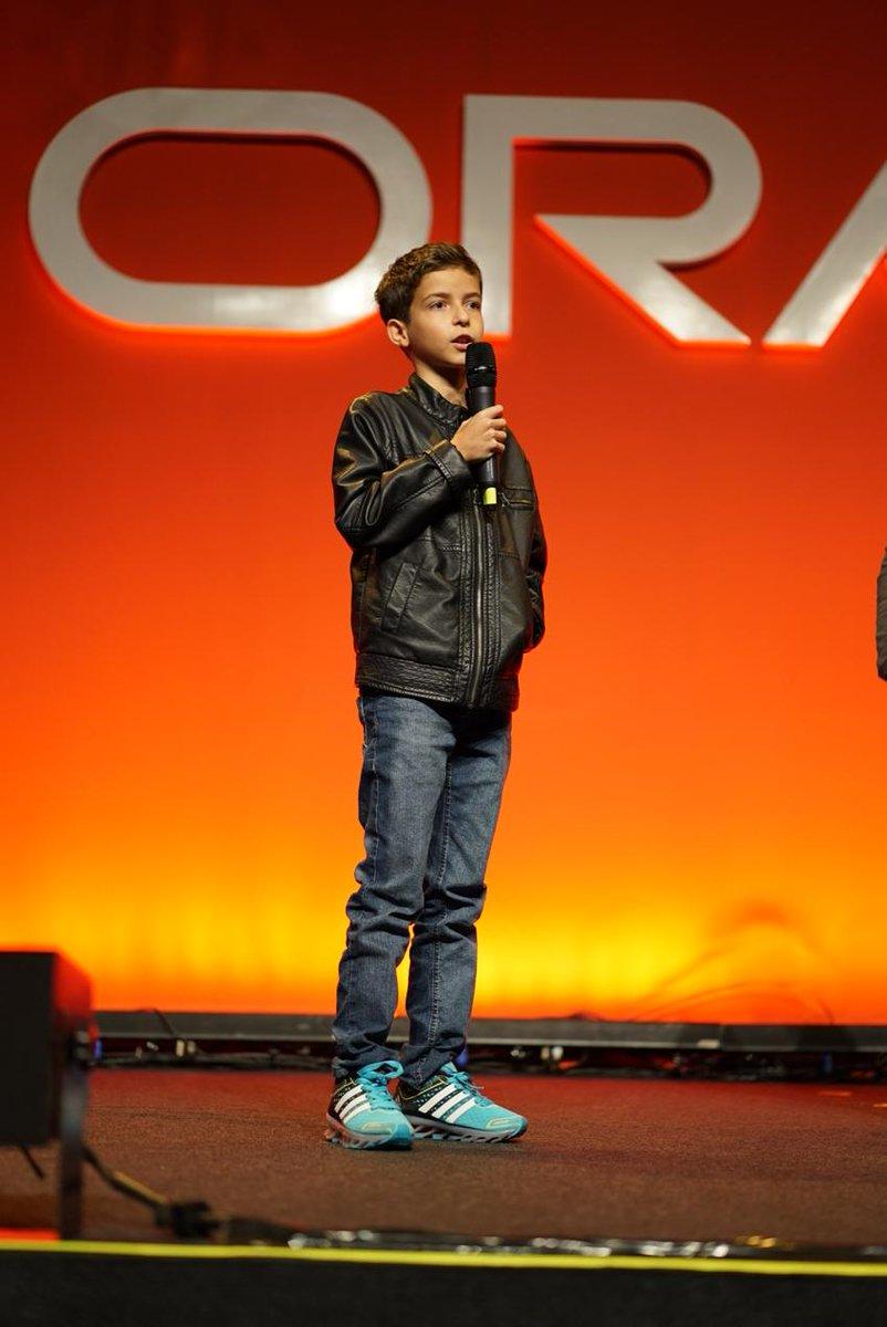13 year old Brazilian Java developer speaks at the #JavaOneBR Community Keynote - the future #Java generation! http://t.co/GSKDPlHxI5