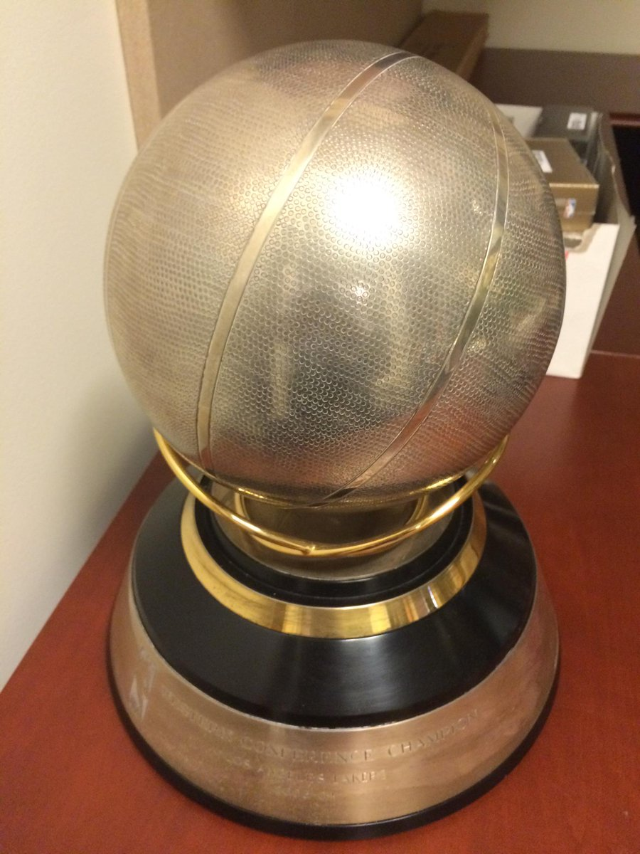 Best part of the tour of the Lakers facility: the 2003-4 WCF trophy sitting forlorn and forgotten in a corner. http://t.co/pErTRzsU6x
