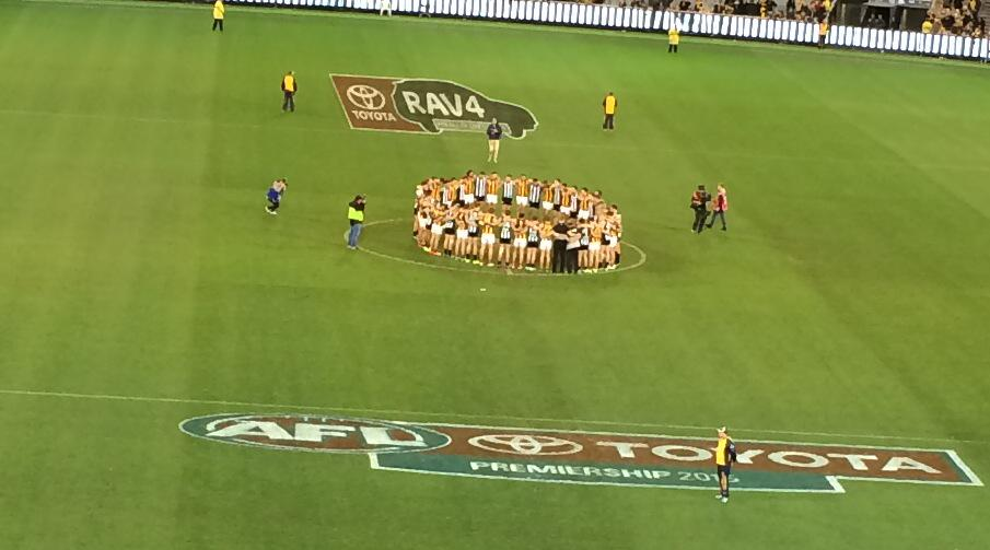 A truly beautiful moment at the end of the most troubling day. Football finds its place. Rather perfect #RIPPhilWalsh http://t.co/PZVWLn1RNl