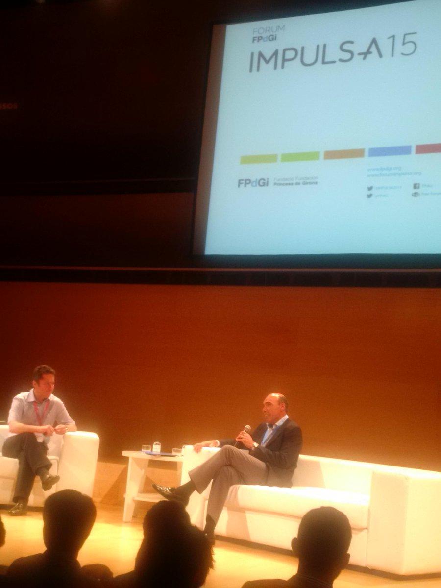 Antoni Esteve d @FPdGi y @ESTEVE_news presenta a Ignacio Cirac,el Messi d la física cuántica #impulsa2015 #quantum http://t.co/Igu9Mk1Hlj