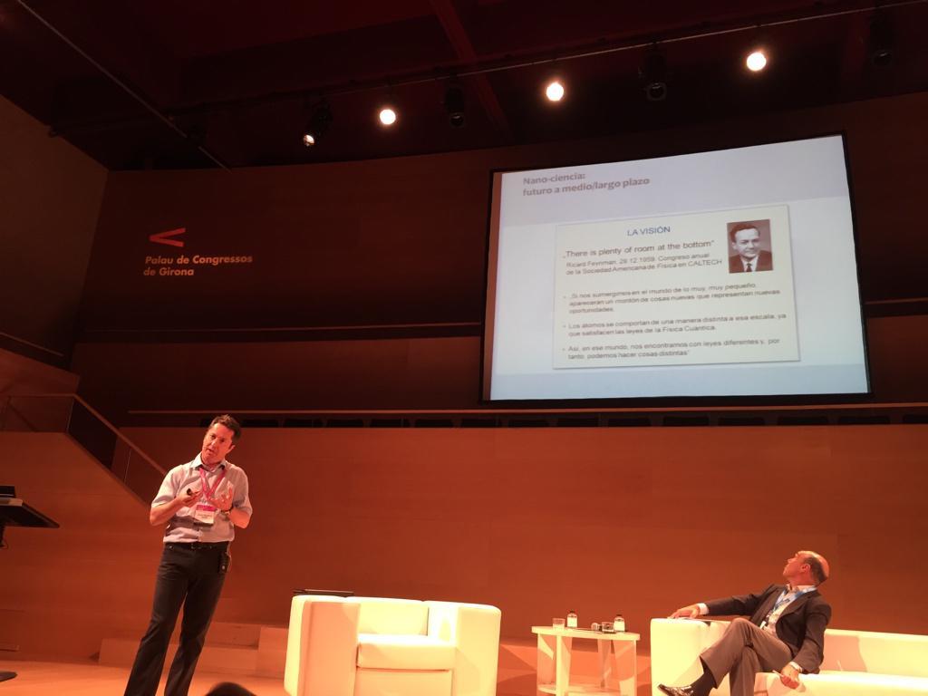 Juan Ignacio Cirac de l'Institut Max Planck parlant de Richard Feynmann. #love #IMPULSA2015 http://t.co/eoW02f6yhQ