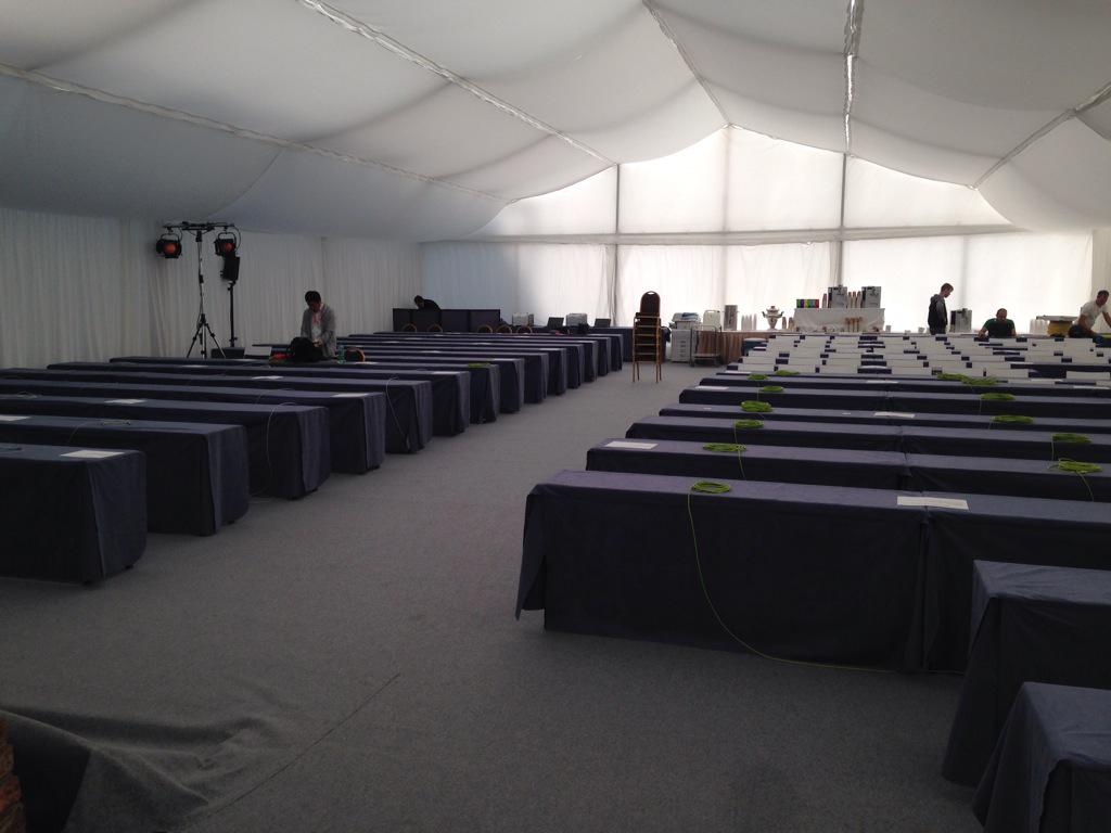 Journalist tent for #IranTalksVienna , up and ready in less than 24 hours. Brace yourselves. http://t.co/ogAMw6mbIi
