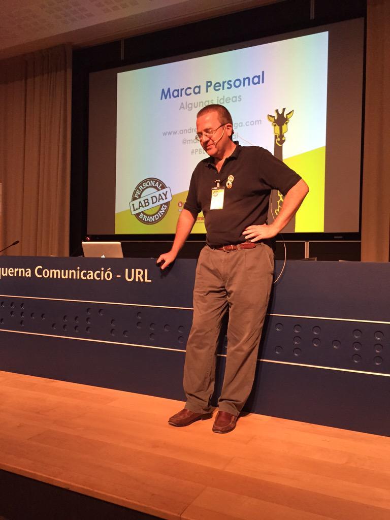 El gran Andres en accion en el Personal Branding Lab Day @marcapersonal #PBLabDay @soymimarca http://t.co/M6r47en9Yq