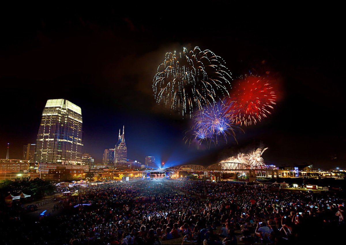 Happy 4th of July from all of us at the Nashville Downtown Partnership! http://t.co/AQOUID5eIU