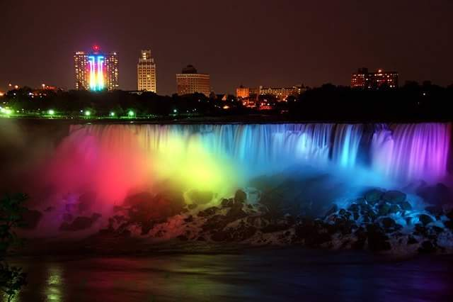 Love is flowing all around today! #NiagaraFalls #NiagaraFallsUSA #NiagaraUSA #SCOTUSMarriage http://t.co/je0bCRHzV5