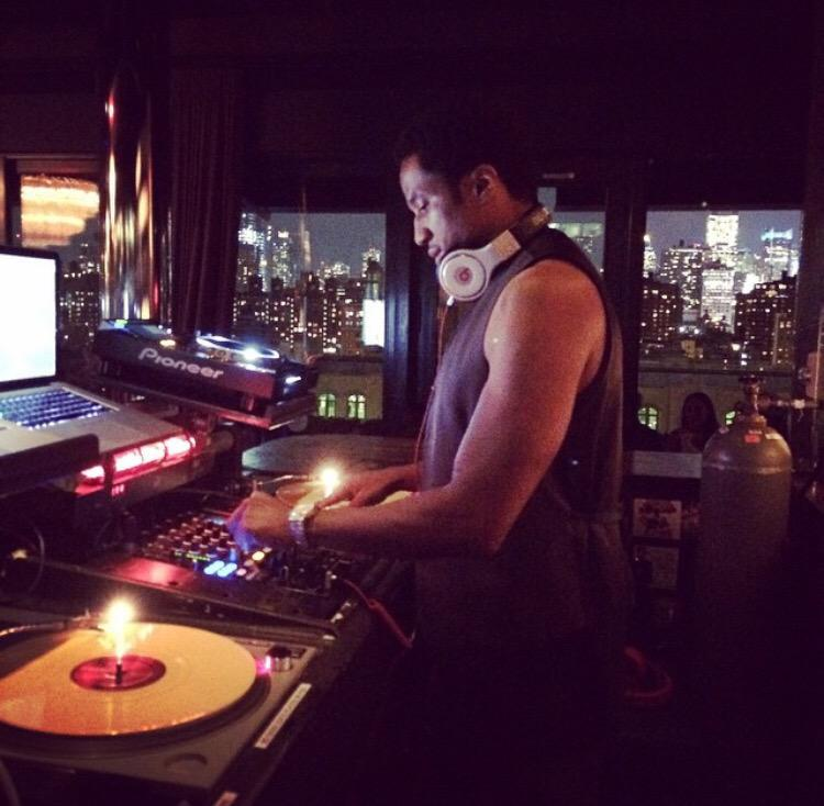 The legendary @QtipTheAbstract putting in work on the tables last night at #PHDRooftop! @MaximMag (