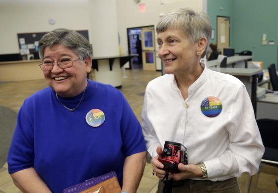 Gay couples in Texas begin obtaining marriage licenses: http://t.co/UvSriwhCys  Are you one of them? #LoveWins #Pride