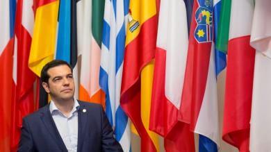 """FOTO Tsipras: """"Il pagamento di stipendi e pensioni sarà garantito"""""""