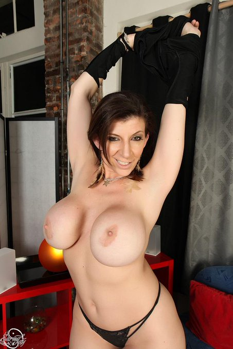 Are you a http://t.co/pPUJtoejsG member?! You got new pics & vids! 496 videos & 68,000+ pics! rt http://t