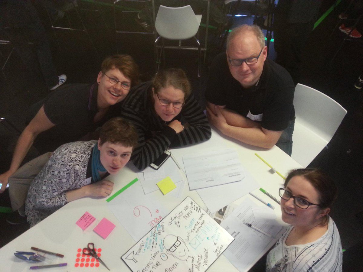Design thinking at #HHCXN @Hackshackers in #Berlin. Interviewee: @mguth http://t.co/g50hRYr9oh