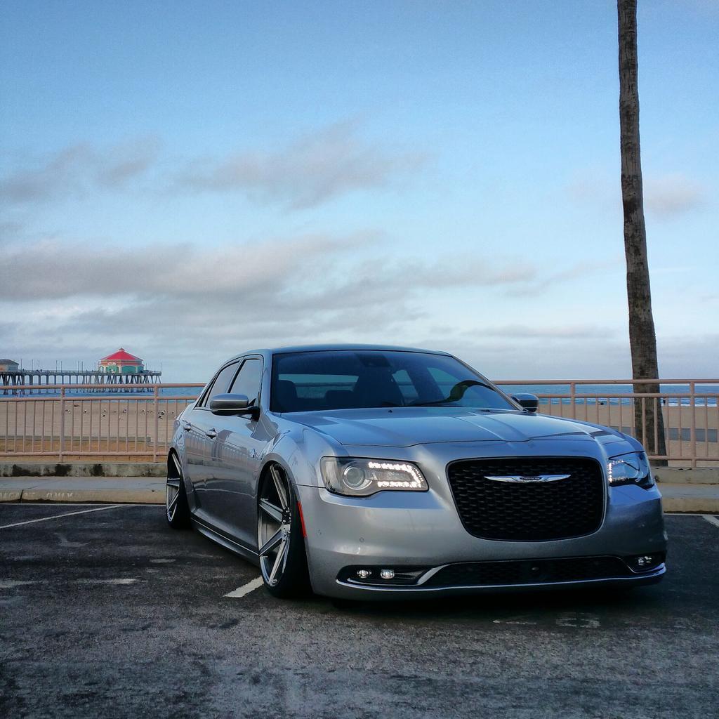 2006 Chrysler 300 C Sedan 4: Aggressive Stance Thread
