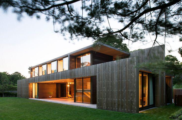 Inspiration architecture : maison moderne avec façade en bois et ...