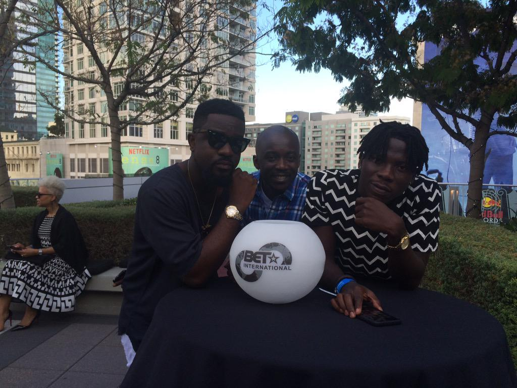 With @sarkodie and @stonebwoyb @BET_Intl Nominees party! #WhineFiMe cc: @JupitaRdGen http://t.co/K7gwRPoxWs
