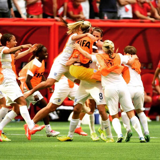 How does it feel to make a semi final.... JUST LIKE THISSSSS!! Amazingggg feeling... We did itttt... #Lionesses http://t.co/gCcvvC2Xd7
