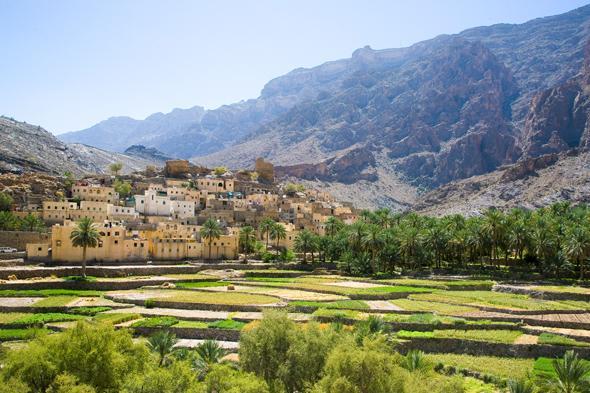 Trekking Jebel Shams: 16 donne del golfo in marcia verso la vetta più alta dell'Oman