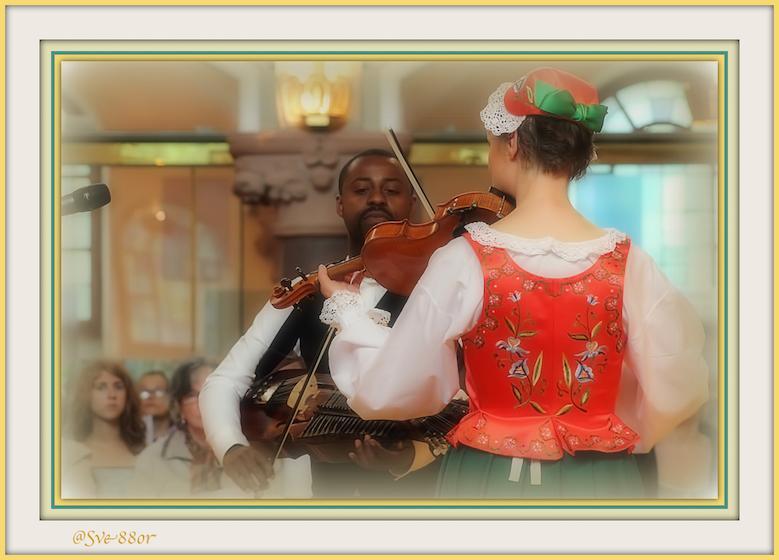 #FolkMusic #MidsommarProgram #Sofiakyrkan @RadiolineFrance http://bit.ly/1rYcw41 @Radionomy http://bit.ly/1Bt3dt5