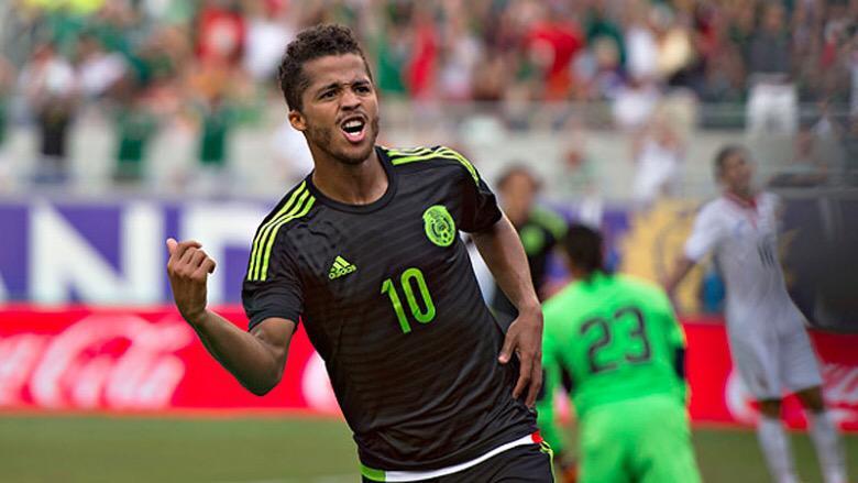 Felicitan a Giovani por su gol con México y se 'olvidan' de Chicharito