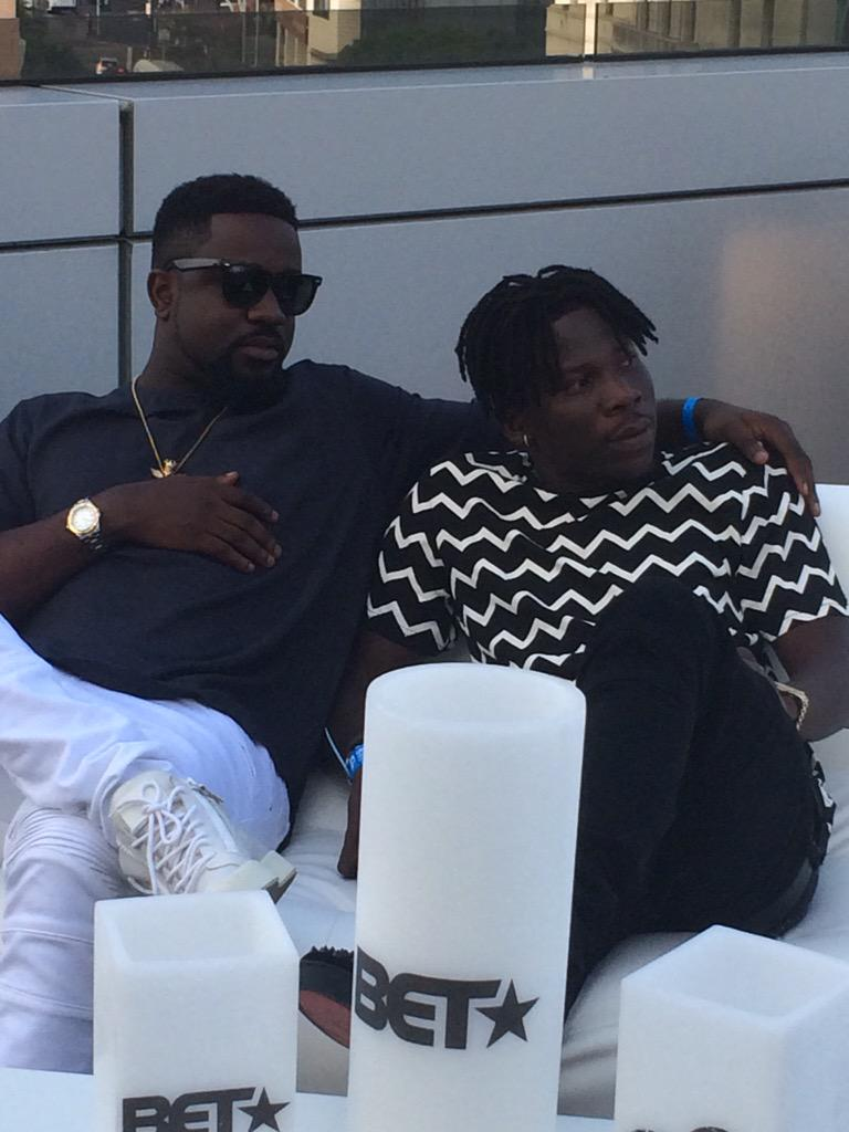 Think about the amount of work @sarkodie & @stonebwoyb had to put in to bring Ghana to the world #celebratethem http://t.co/rGlTEVQ1J1