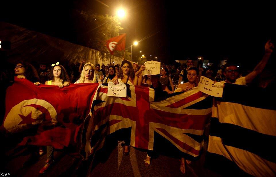 Not in our media headlines, but Tunisians marching in solidarity with Britain's loss in beach terror attack: http://t.co/VEvxm8FY5D