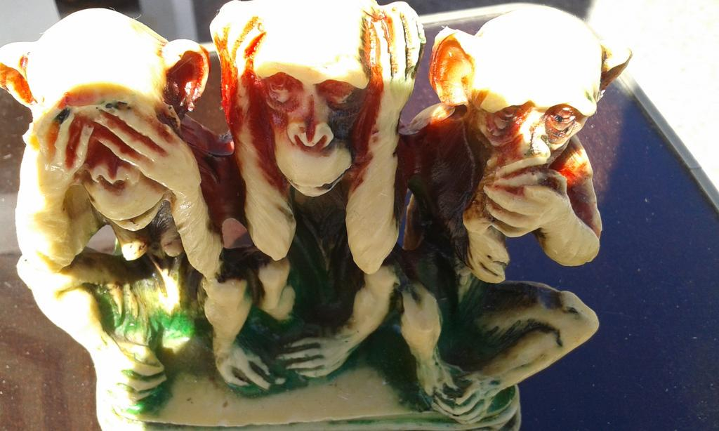 $three monkeys #mathphoto15 http://t.co/akD2qoJypl