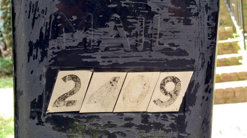 #mathphoto15 house address divisible by #three http://t.co/SlUFdQ7Mqx