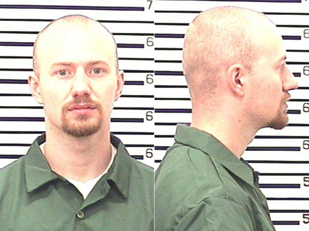 BREAKING: Escaped murderer David Sweat has been wounded and captured in upstate New York, sheriff tells @ABC News. http://t.co/GW0LRvp3jT