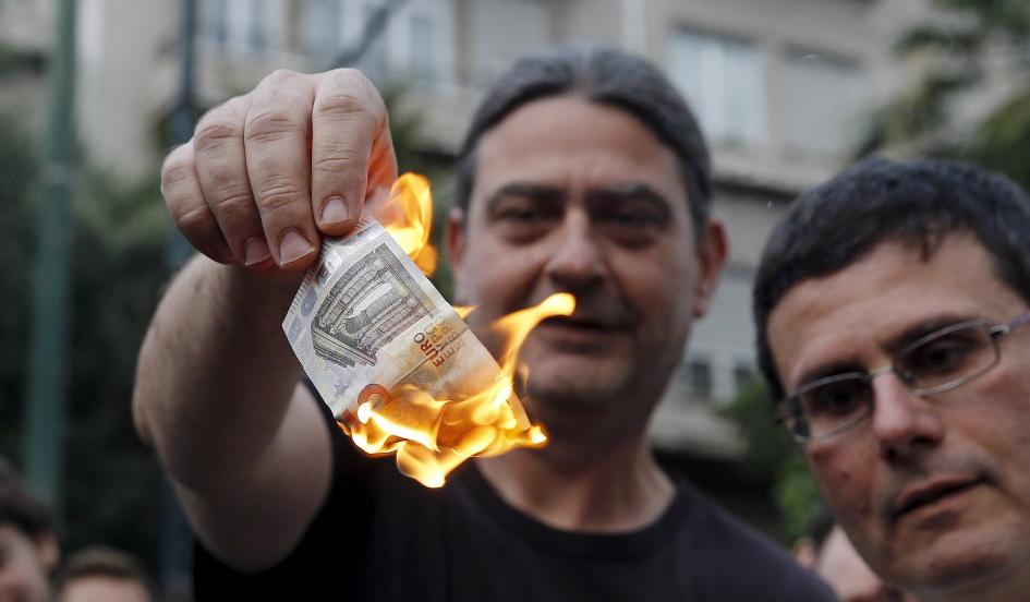 Greece closes banks for six days as default nears