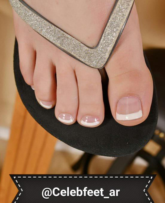 Celebrity hacked twitter photos of toes