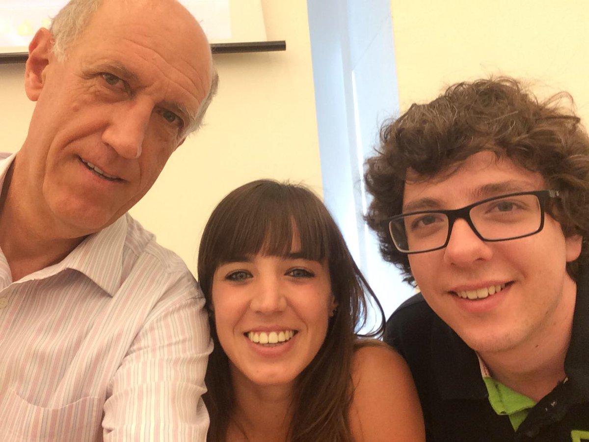 Primer #selfie amb els becaris del #prebat15 Gina i Juan http://t.co/vLADC6e0Zs