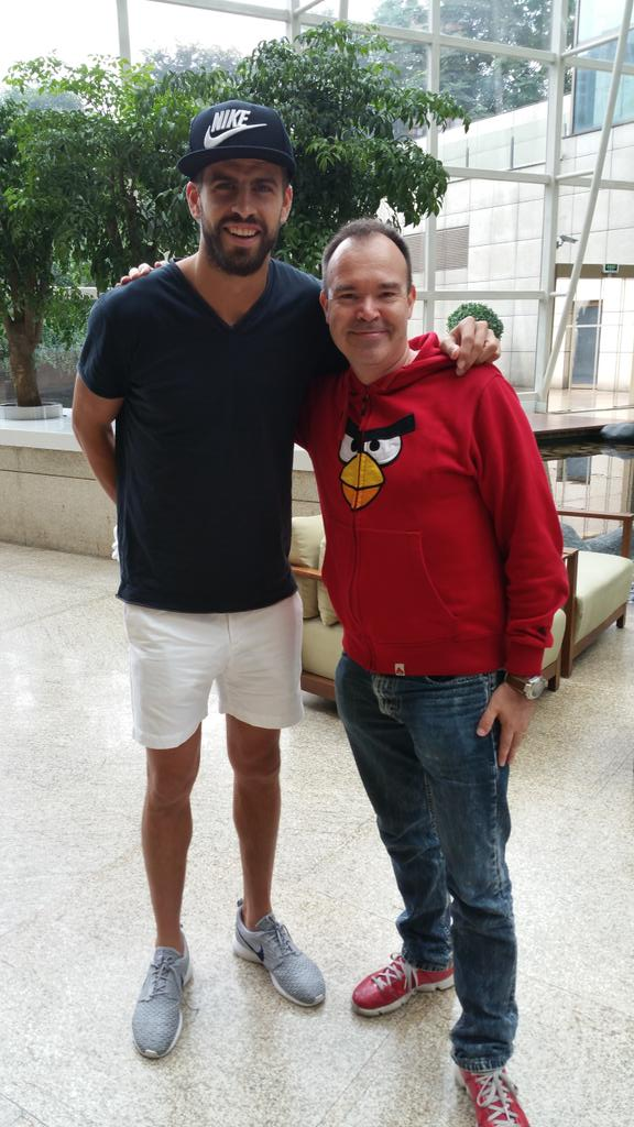 Was great to catch up with my good friend @3gerardpique in Shanghai today :) http://t.co/SVeUyni4HW
