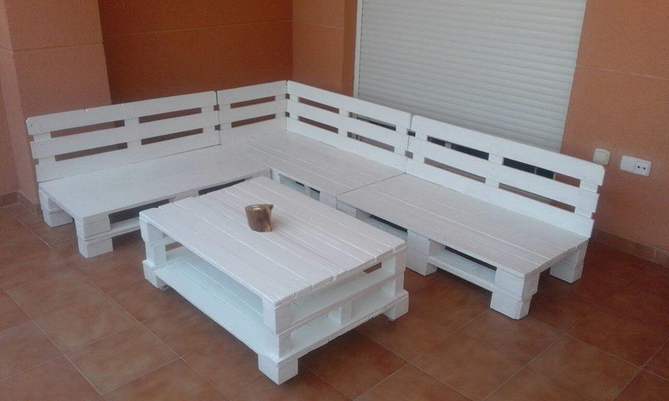 Paletsdecora on twitter mesa y sillones sill n hechos for Reciclado de palets sillones